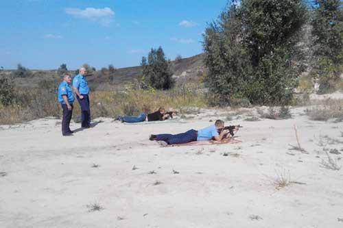 Гребінківські правоохоронці демонстрували навики з вогневої та фізичної підготовки