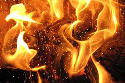 На Гребінківщині у господарській будівлі згоріло 0,3 тонни сіна укосу 2014 року
