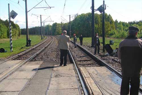 В Полтавській області на залізничному переїзді сталося ДТП