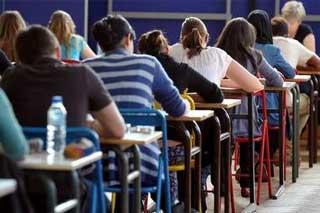 24 квітня випускники складуть тест з української мови